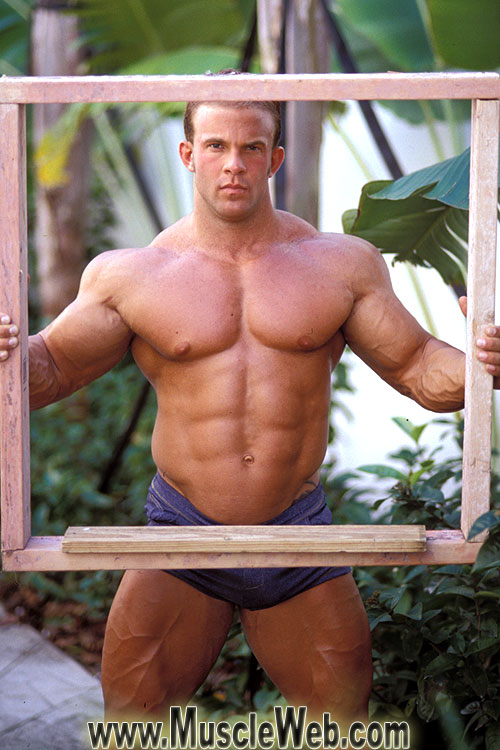 Huge Gay Bodybuilders 9