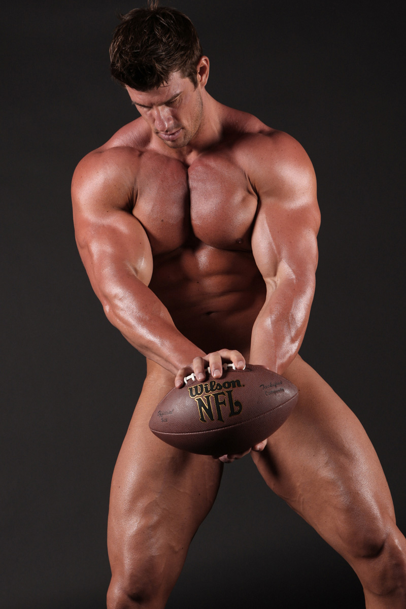 Zeb Atlas ManifestMen18 Huge Gay Bodybuilder Zeb Atlas Lives Here!