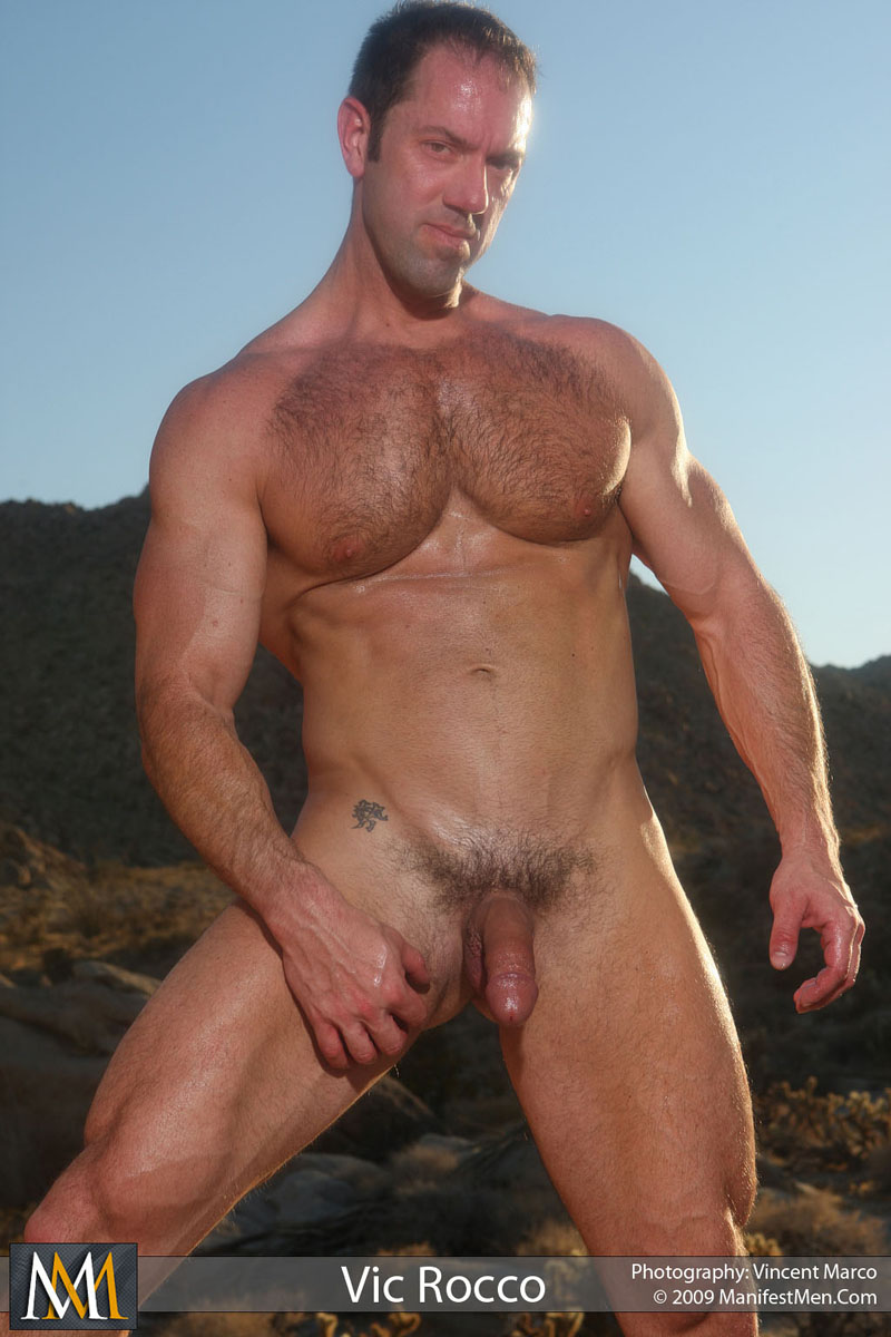 hung muscle men Gay