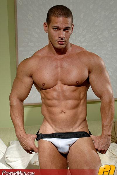 Голые мускулистые мужики мужики