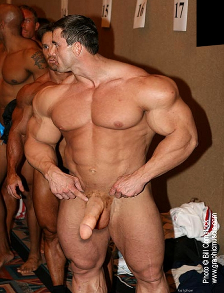 Muscled gay men