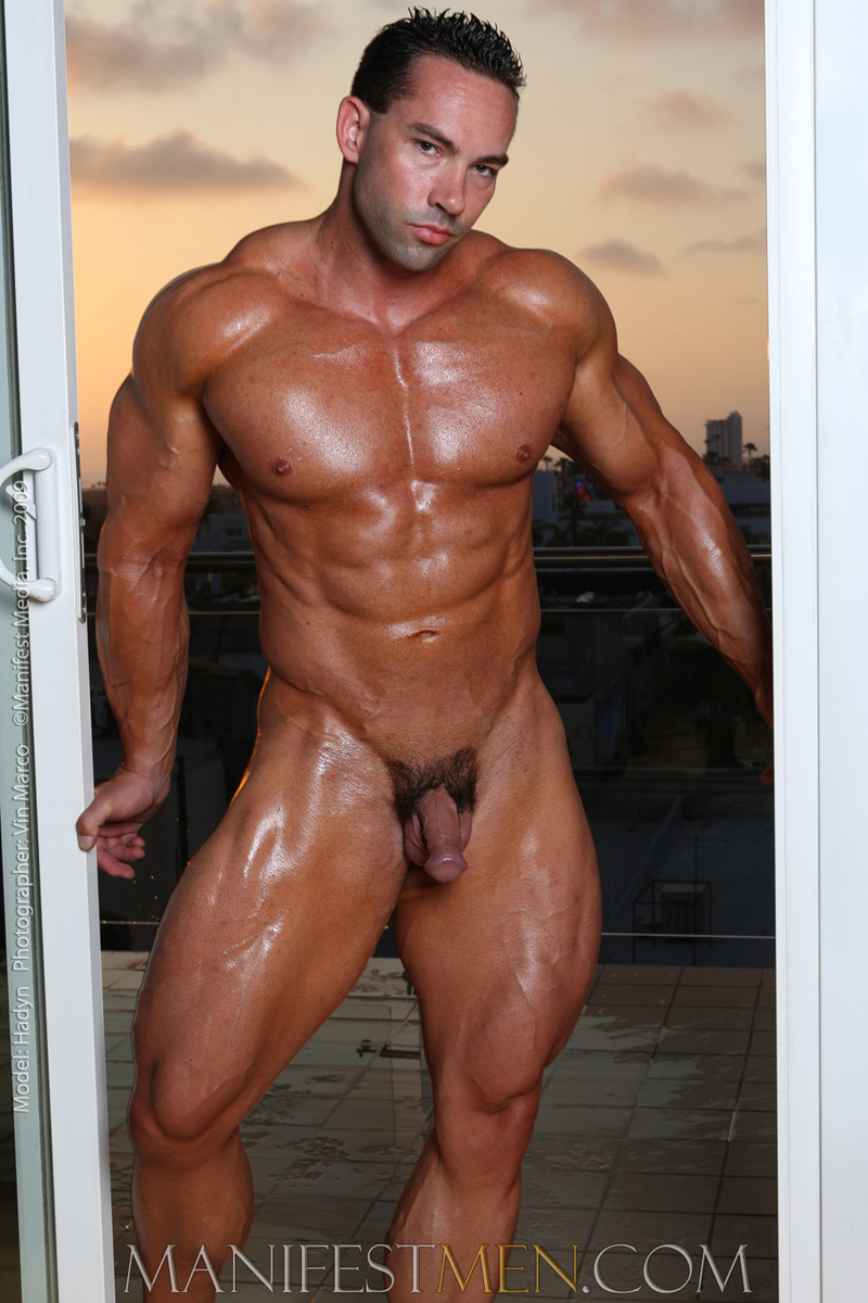 Bodybuilding male nude photos
